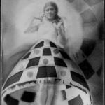 Fotomontazas-su-Lillian-Roth-sijonu-1932